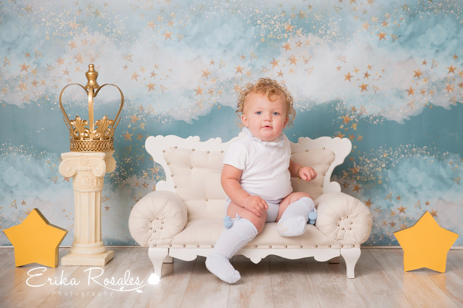 Studio baby is a canadian based manufacturer of professional newborn posing props selling to the newborn photography community worldwide